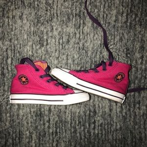 Toddler converse size 7